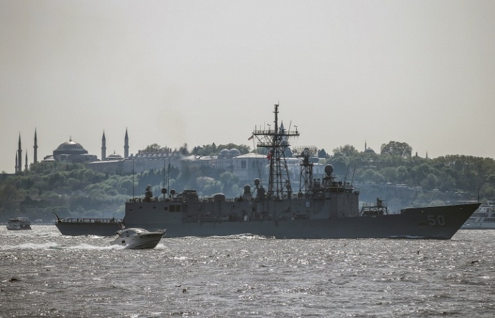 USS Taylor sails through the Bosporus in Istanbul, Turkey April 22, 2014